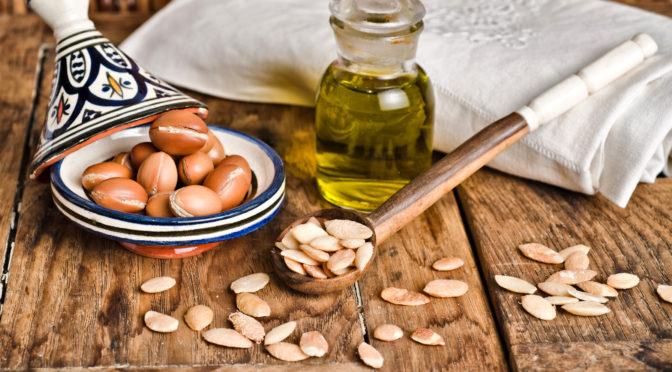 Top 7 beneficii ale uleiului de argan pentru par si piele