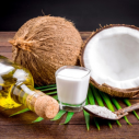 Frumusete si minune in sticlute mici - beneficiile uleiului de cocos